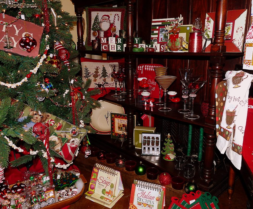 Decorating ideas photos interior christmas decorating for Interior home christmas decorations