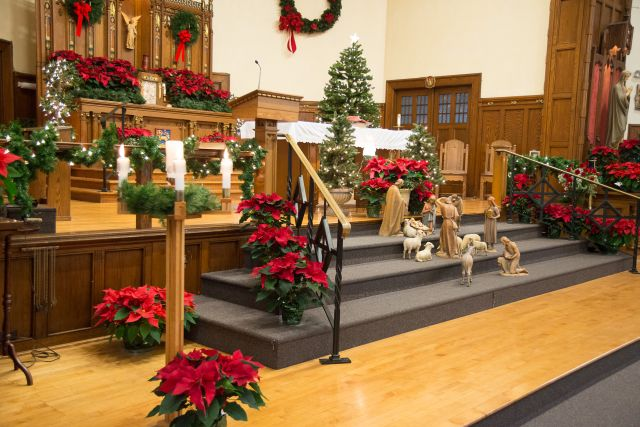 Decorating Ideas > Sacred Heart Roman Catholic Church  PinChristmascom ~ 092859_Christmas Decoration For Church