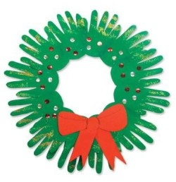 Christmas Wreath using your Kids Hands. This is an oldie but a goodie!   See more at www.PinXmas.net